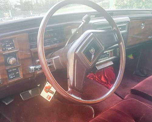 Cadillac Fleetwood innen